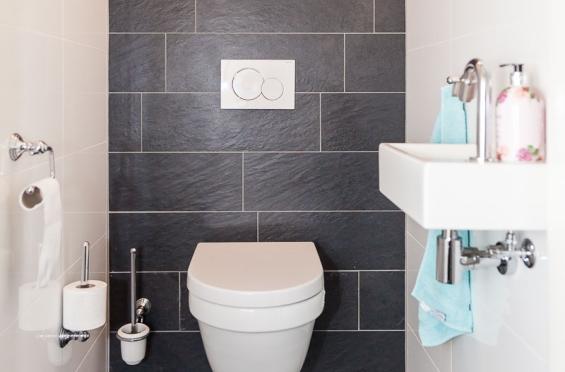 Speurders blauwe badkamer tegels toilet tegels keuken tegels cifre